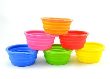 China Collapsible Dog Bowl Silicone Kitchen Gadgets 13*9*5.5cm With Logo Customized supplier
