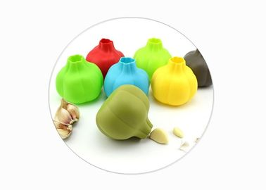 China Fashion Silicone Kitchen Gadgets Garlic Shaped Silicone Garlic Peeler For Kitchen Tool supplier