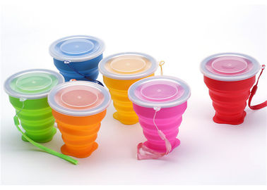 China Portable Retractable Silicone Drinking Cups 300ml Capacity For Travel supplier